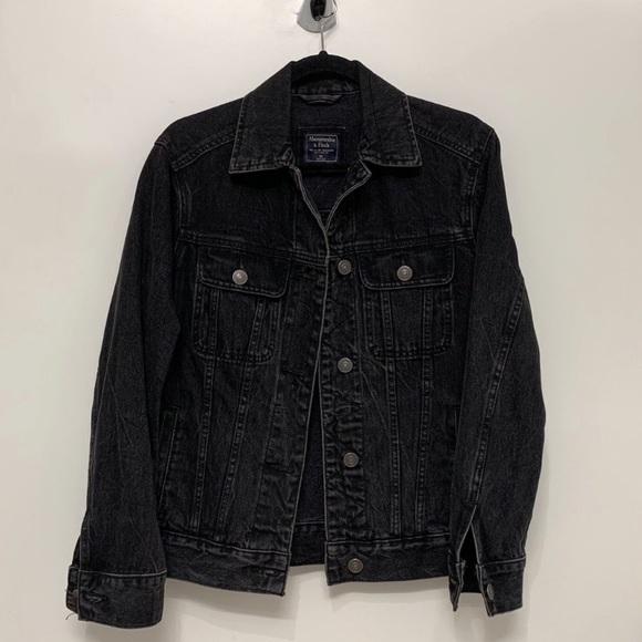 BRAND NEW black denim jacket